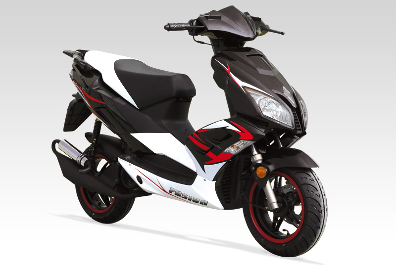 importateur scooter znen fusion 50 street scooter 50 2 temps. Black Bedroom Furniture Sets. Home Design Ideas